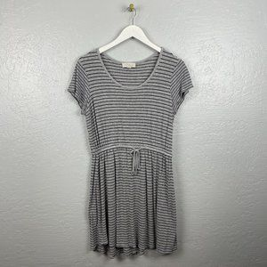 Olive & Oak Size L Gray Black Stripe Dress Ribbed